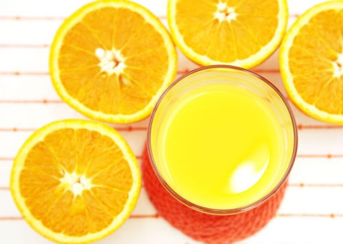 オレンジのコールドプレスジュース